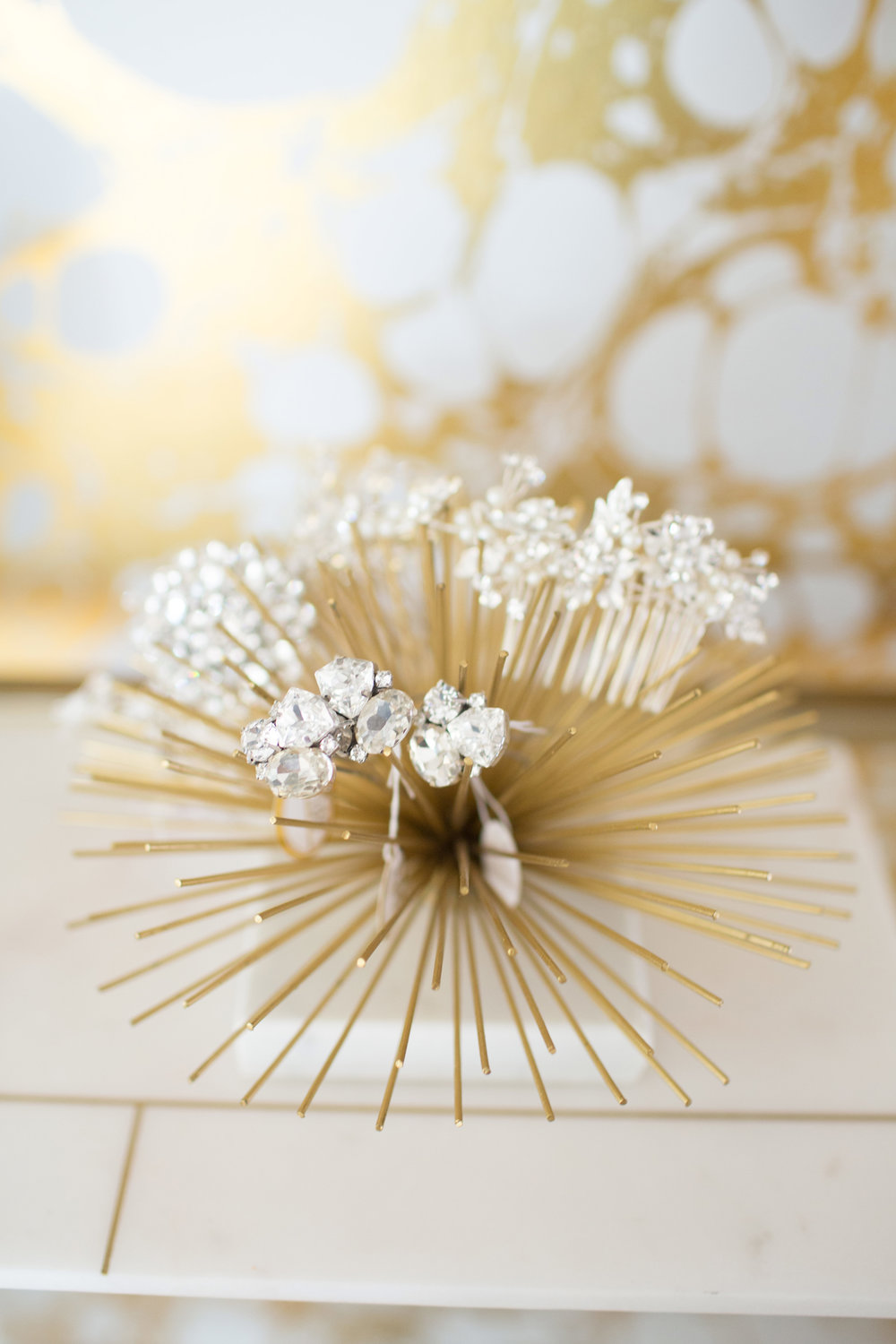 bridal-room-hair-clips.jpg