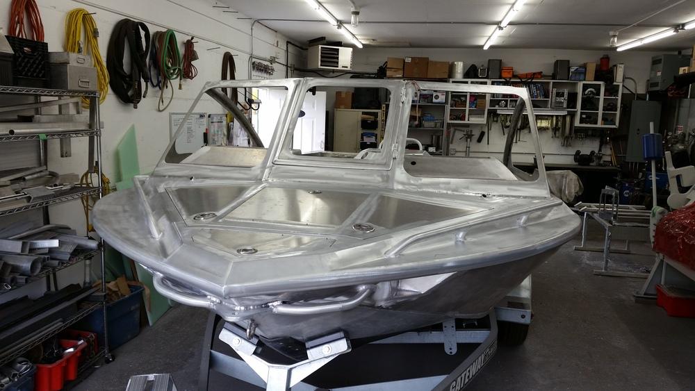 Jet boat flush bow hatch,<br>railing, beach grab bars,<br>flush LED light pockets