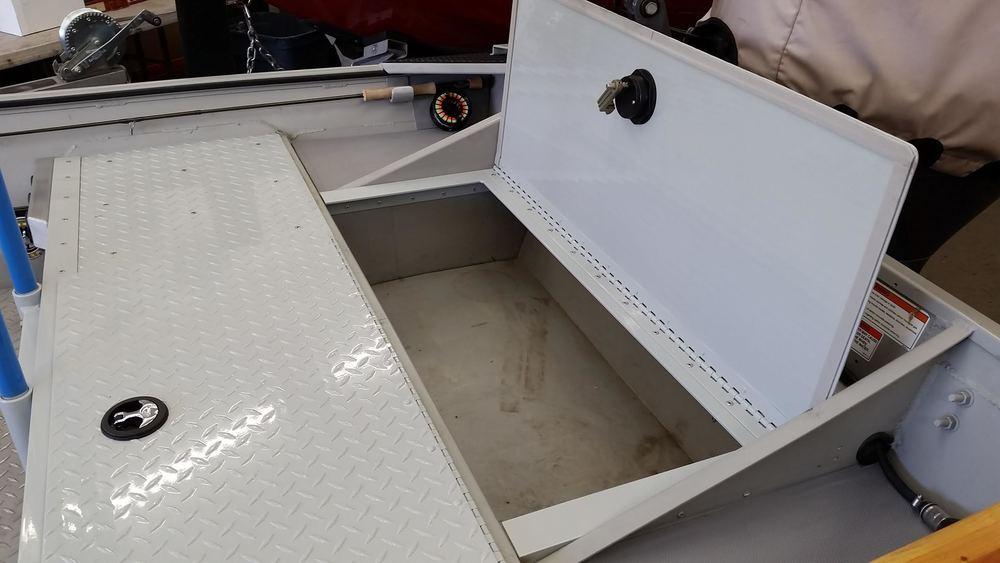 16ft Sea ark<br>storage hatch
