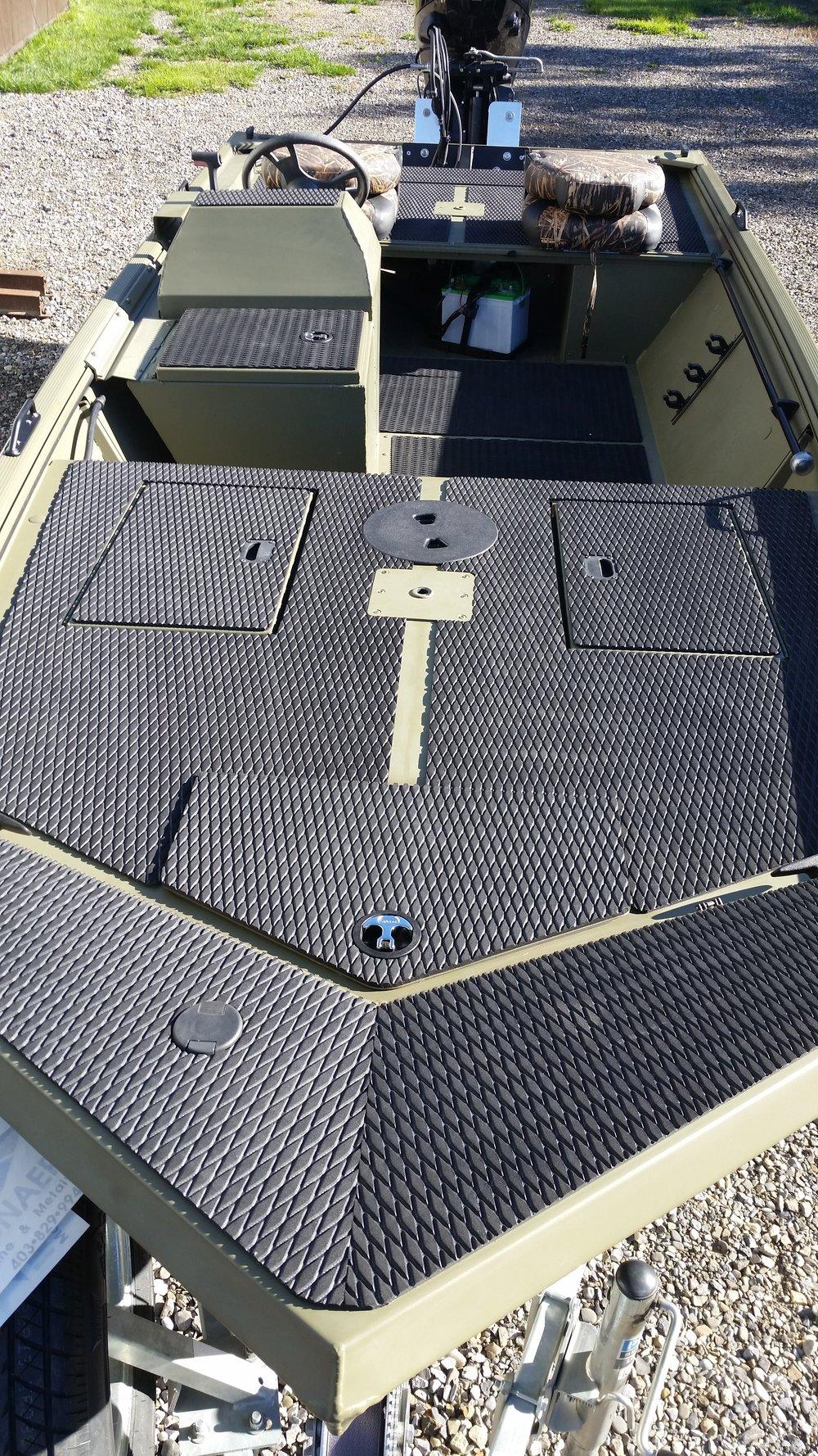 Hydro turf<br>deck/floor material