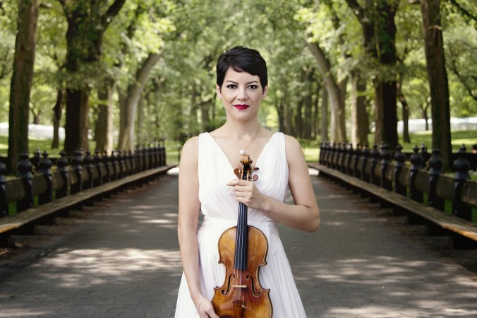 Epoch Times: Performing Arts Anne Akiko Meyers - A Virtuoso
