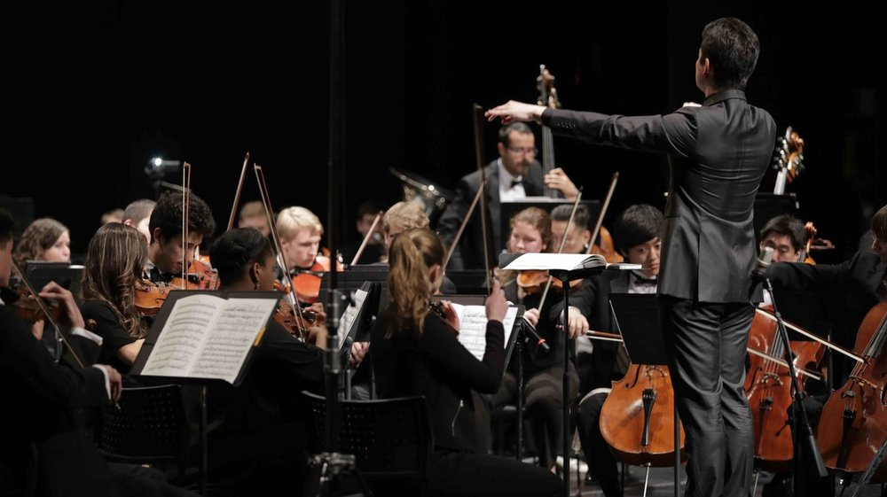 Yuga Cohler conducting the Young Musician Foundation Debut Orchestra