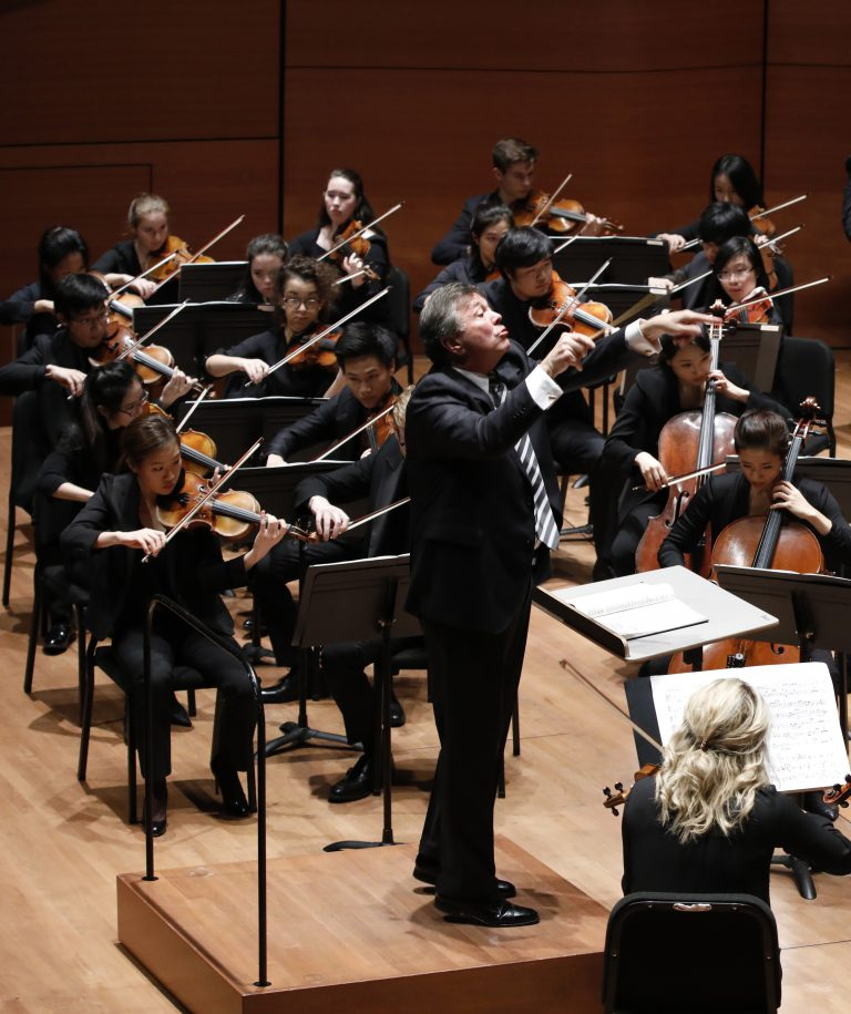 Gerard Schwarz conducted the Juilliard Orchestra in works by David Diamond, William Schuman and Jacob Druckman Thursday night.