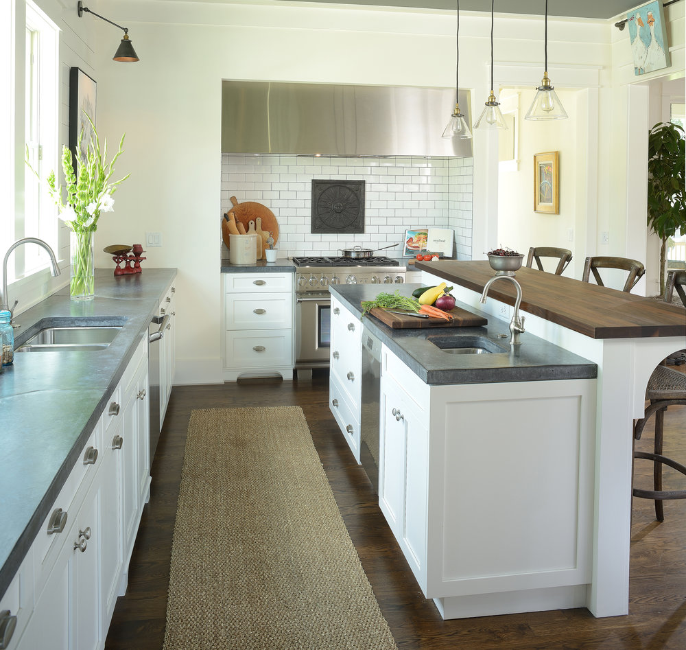Traditional Kitchen in Charleston, South Carolina