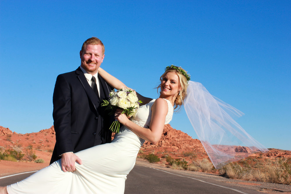 The long road, valley of fire wedding