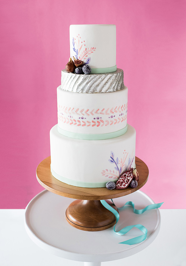 wedding-cake-inspiration-metallic-and-pink.jpg