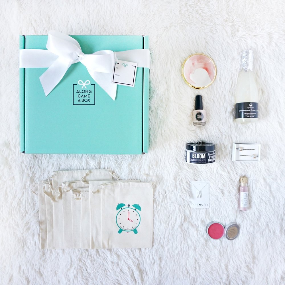 Gift-Box-for-Bride-for-bridal-shower-engagement-party-day-of-wedding (1).jpg