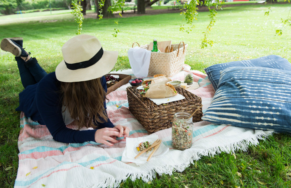 Packing a picnic