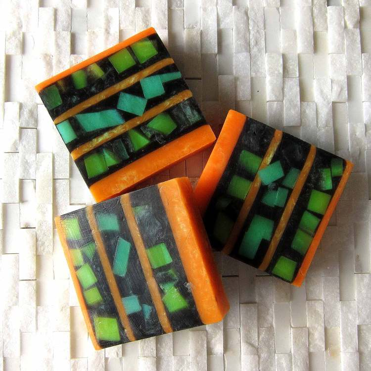 Kate Johnson / Mamoucha Soaps