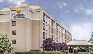 Comfort Inn and Suites Somerset 732-563-1600 Deadline: March 10, 2017 Sugarloaf Rate: $69/night + tax 255 Davidson Avenue Somerset, NJ 08873  Complementary hot deluxe breakfast buffet 0.38 miles from festival site