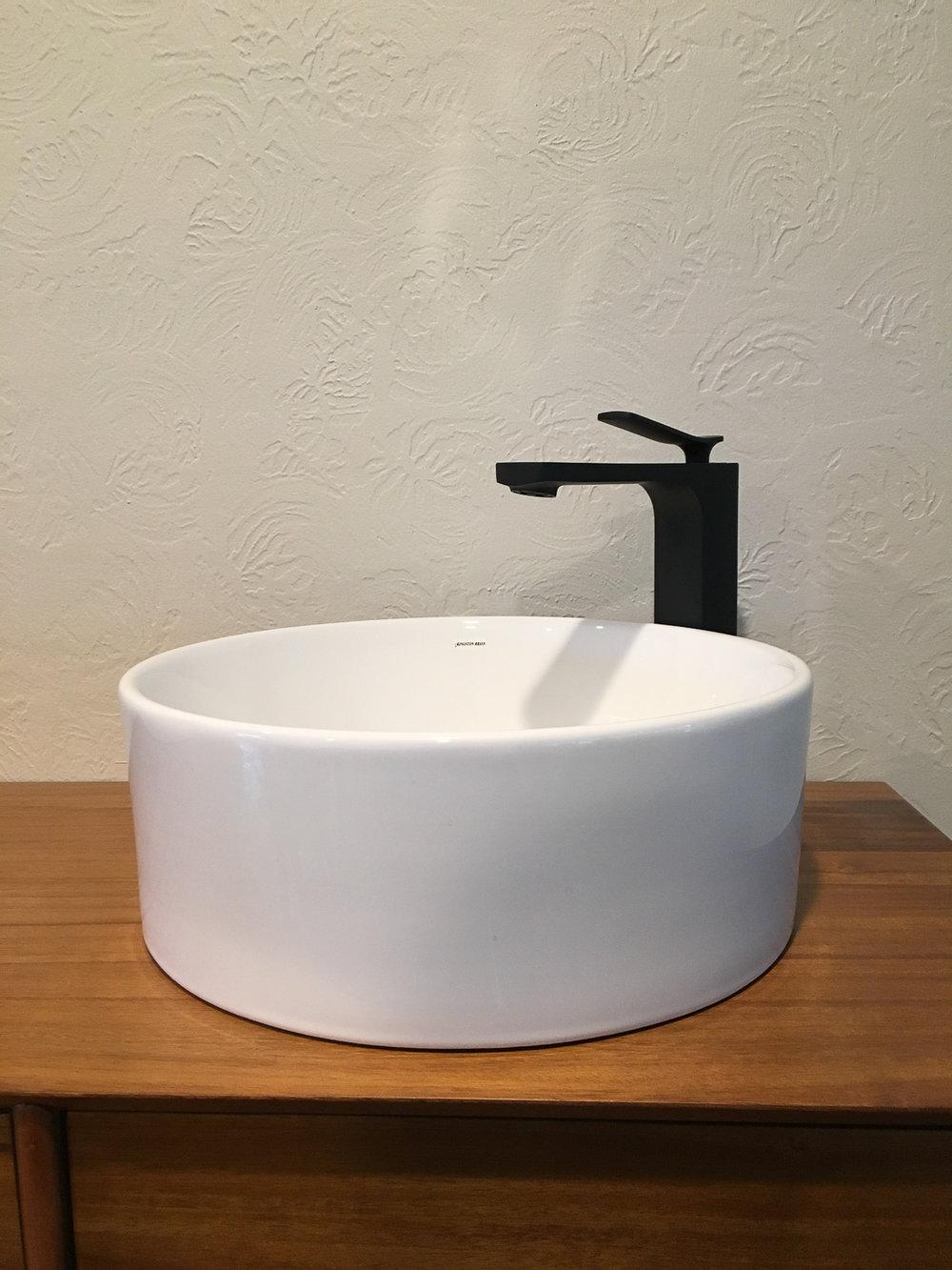 Main Bath Reno web (10 of 23).jpg