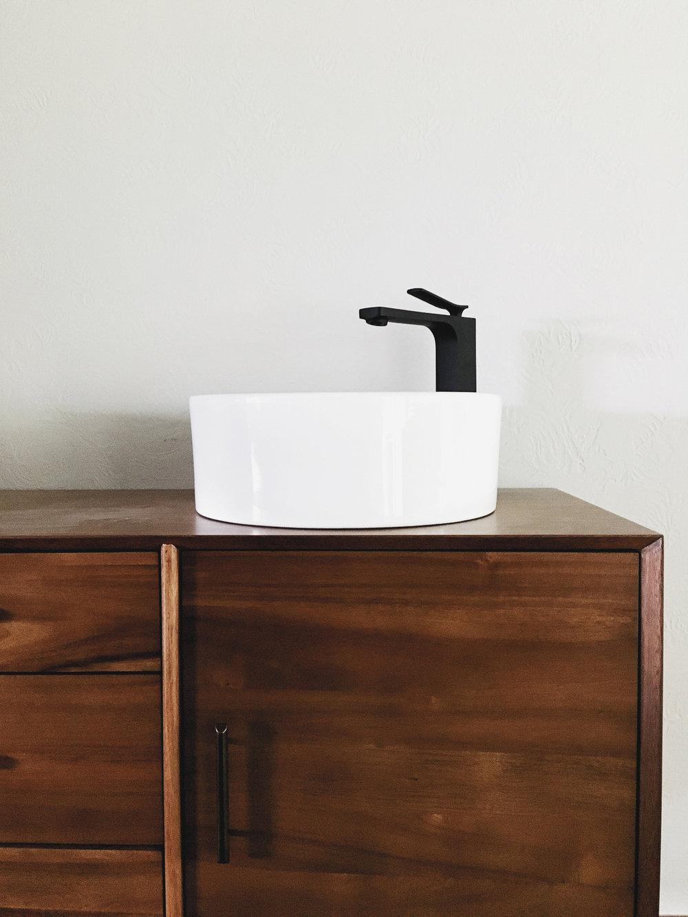 Main Bath Reno web (11 of 23).jpg