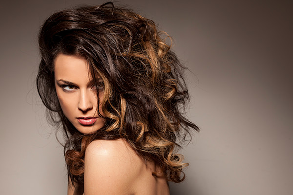 12-18-2015-Woman-Has-Thick-Hair-From-Hair-Extensions.jpg