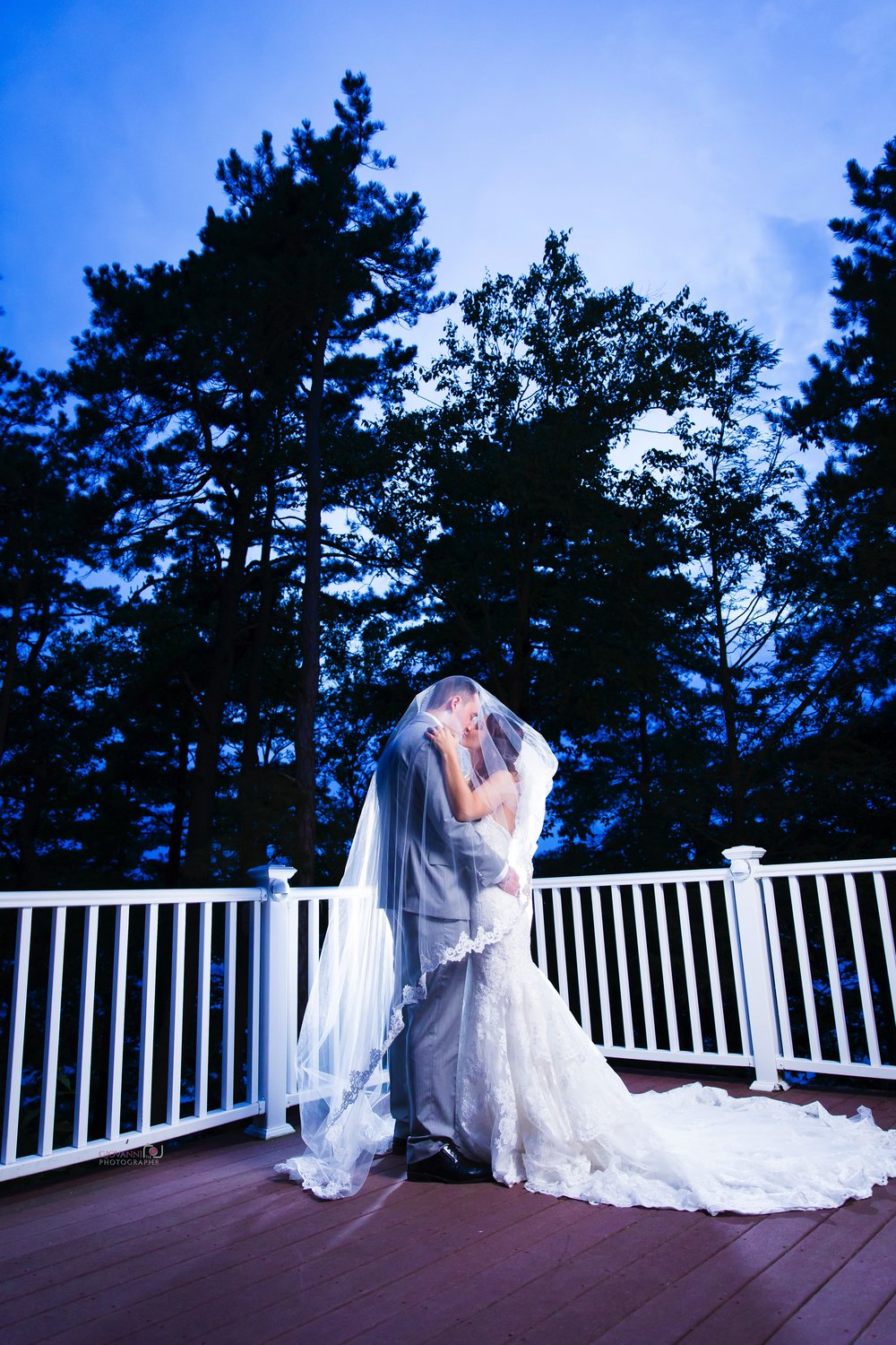 8C2A3715+Giovanni+The+Photographer+Best+Boston+Wedding+Photography+Lake+Pearl+Wrentham+Ma.jpg