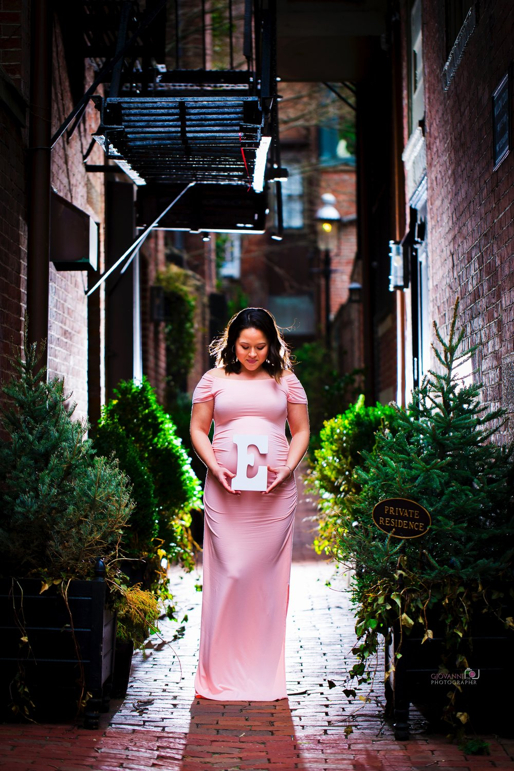 8C2A2457 Giovanni The Photographer Boston Marternity Photography Maryann and Steven - Beacon Hill - Acorn Street Cobblestone St 03-04-18 WM35.jpg