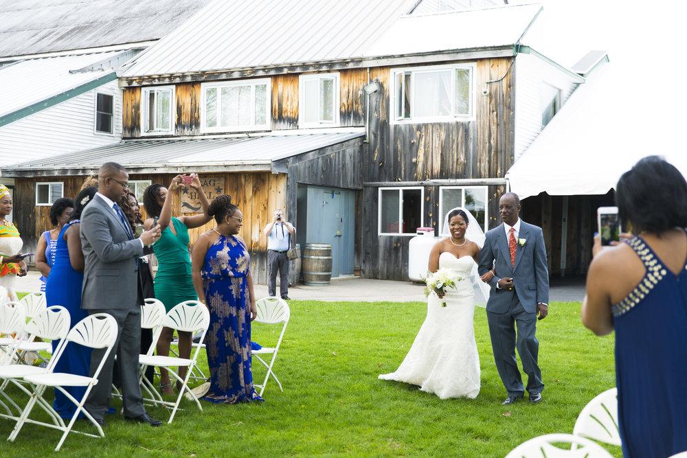 8C2A4204 Giovanni The Photographer Best Boston Wedding Photographer Flag Hill Distillery & Winery.jpg