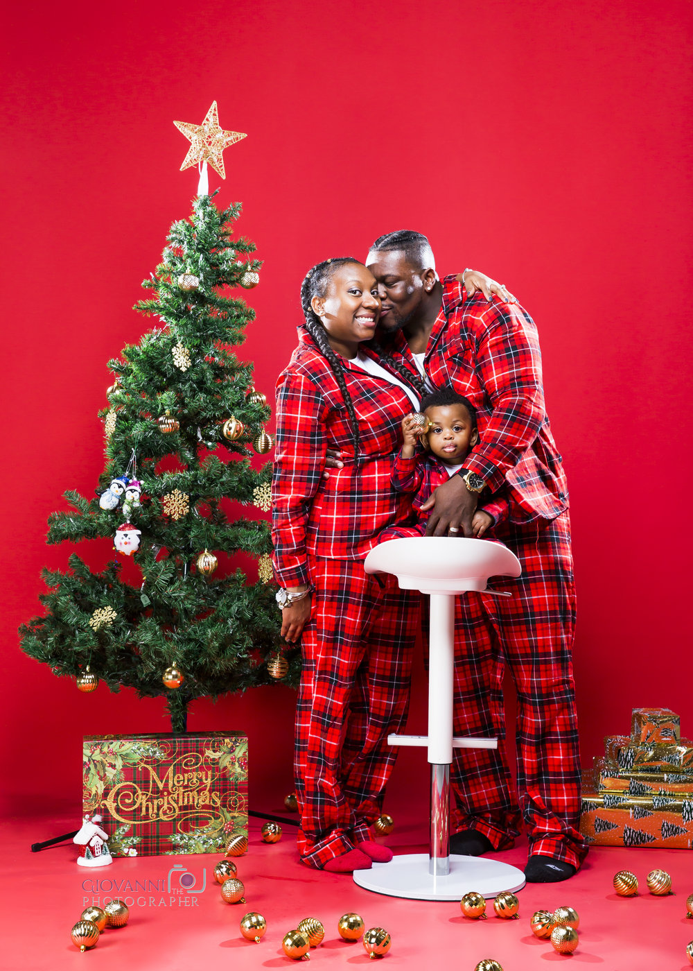314A9708-12-16-18 - Sie - Chavin - Cannon - Christmas Photo Shoot - Boston Sudio Rental.jpg