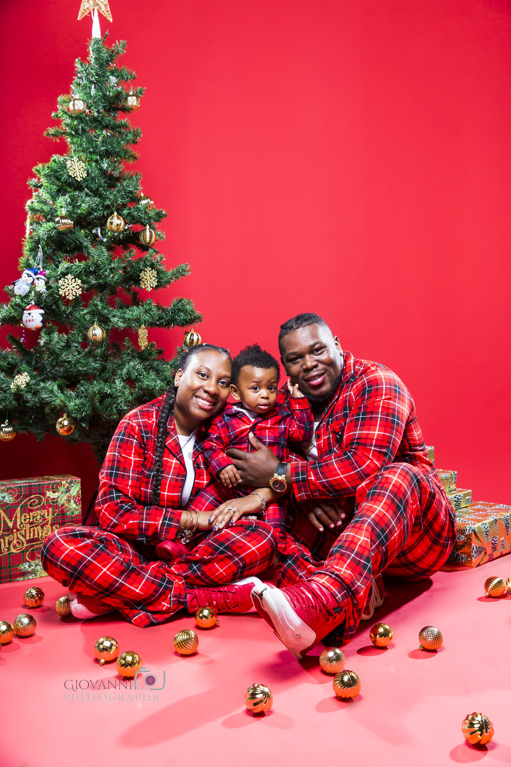314A9780-12-16-18 - Sie - Chavin - Cannon - Christmas Photo Shoot - Boston Sudio Rental.jpg