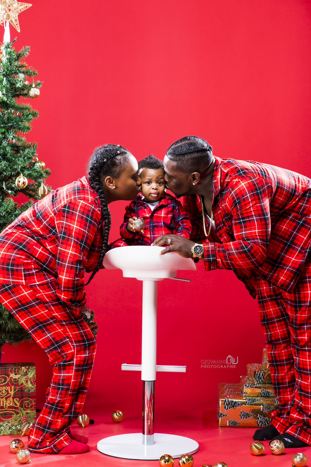 314A9723-12-16-18 - Sie - Chavin - Cannon - Christmas Photo Shoot - Boston Sudio Rental.jpg