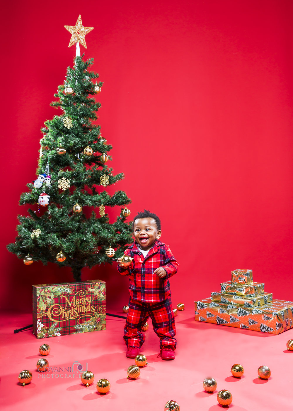 314A9804-12-16-18 - Sie - Chavin - Cannon - Christmas Photo Shoot - Boston Sudio Rental.jpg