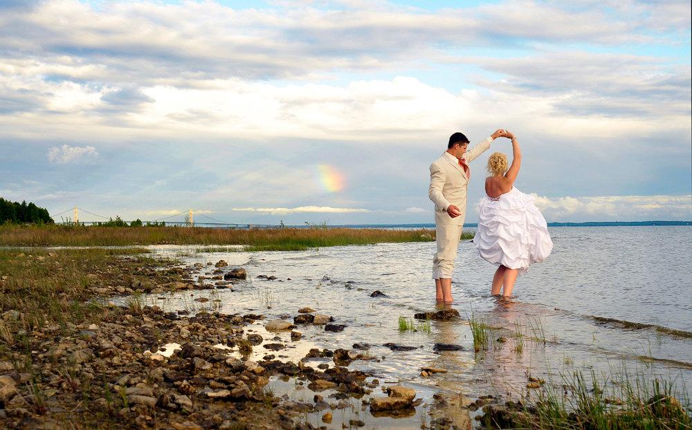 Marriage at Mackinaw Island Bridge