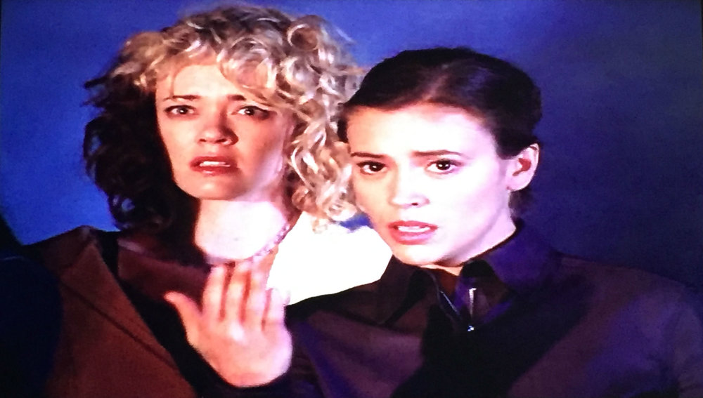 Phoebe uses Prue's power to bring Alec closer...