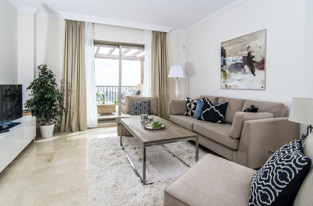 _Benahavis_livingroom (1).jpg