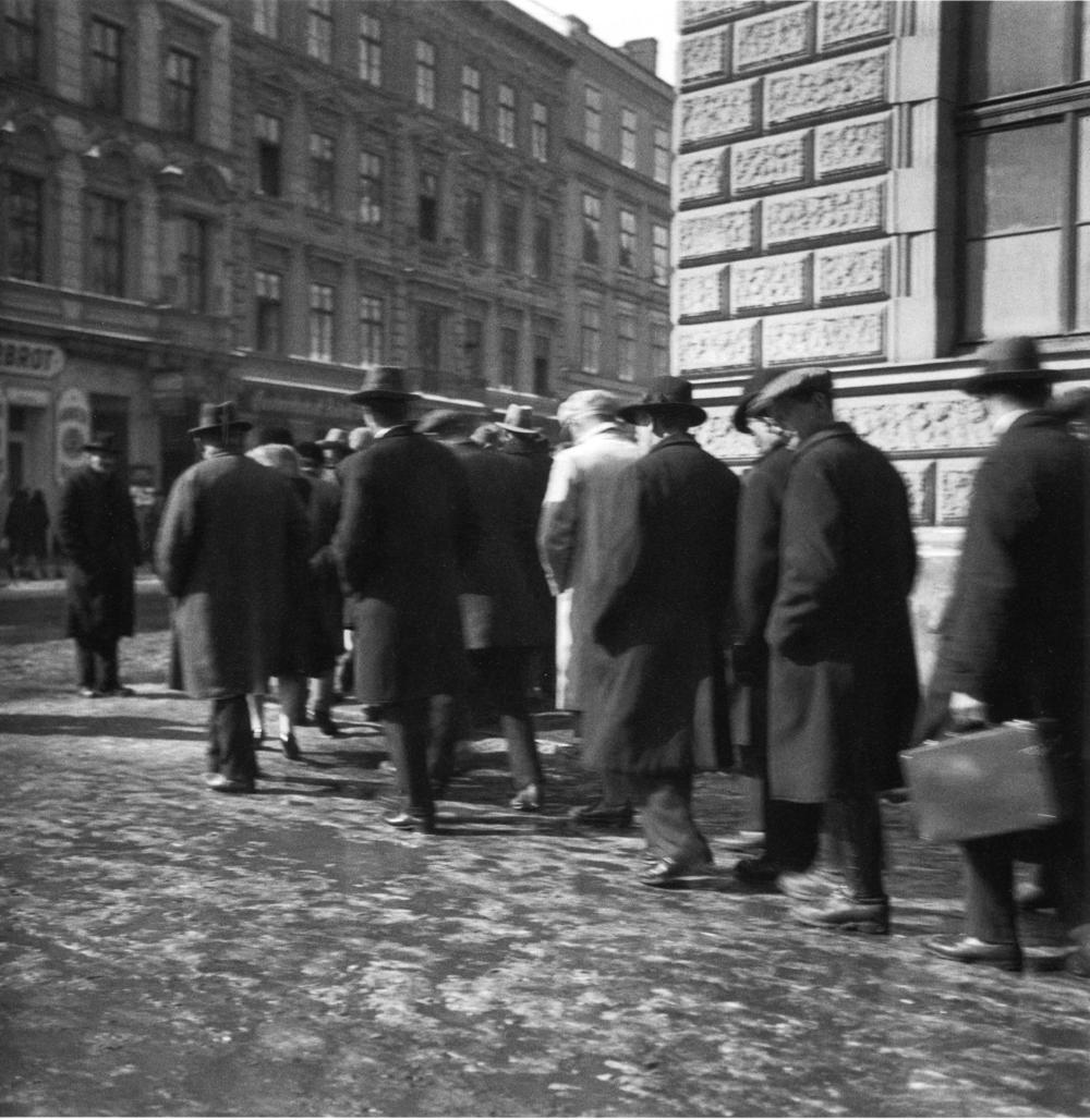 Arbeitslose Schlange1930288.jpg