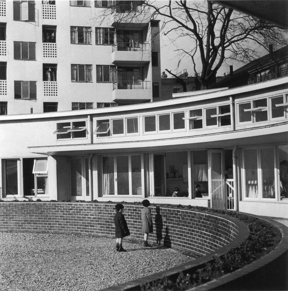 Kensal House 193838034.jpg