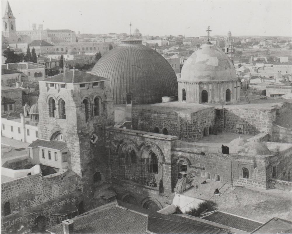 Gertrude Bell's photograph of the Church of the Holy Sepulchre taken from the German Tower, December 1899. Catalogue number A41.