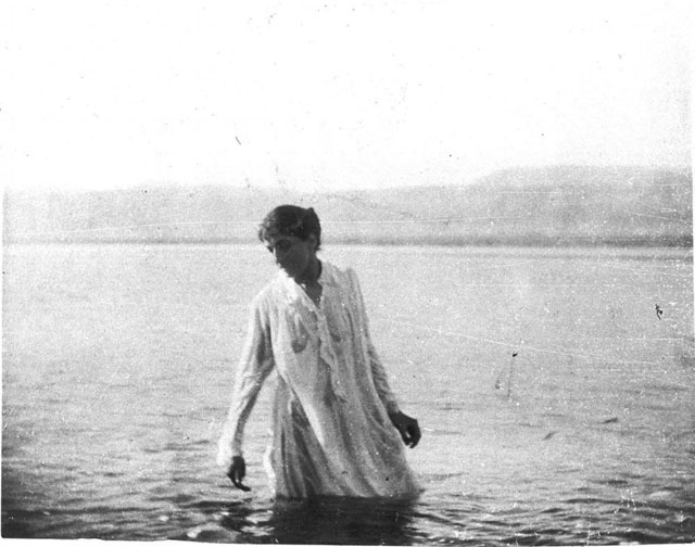 A556. 'European woman (possibly Mrs Nina Rosen) bathing in the Dead Sea. June 1900'. Gertrude Bell Archive, Newcastle University
