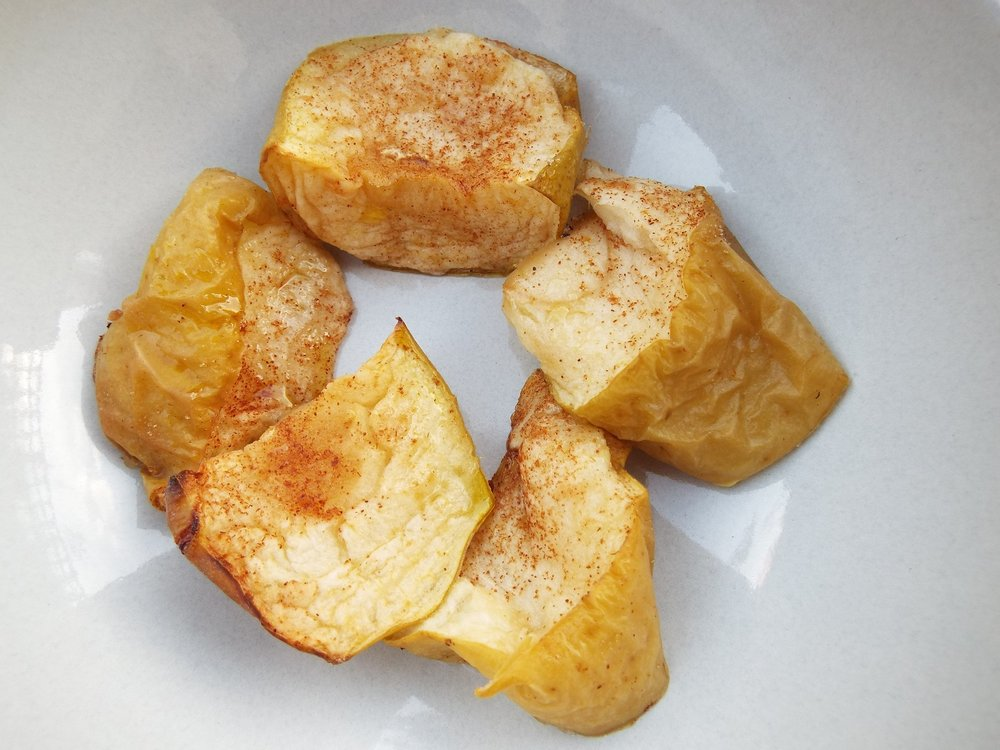 Baked, spiced apples