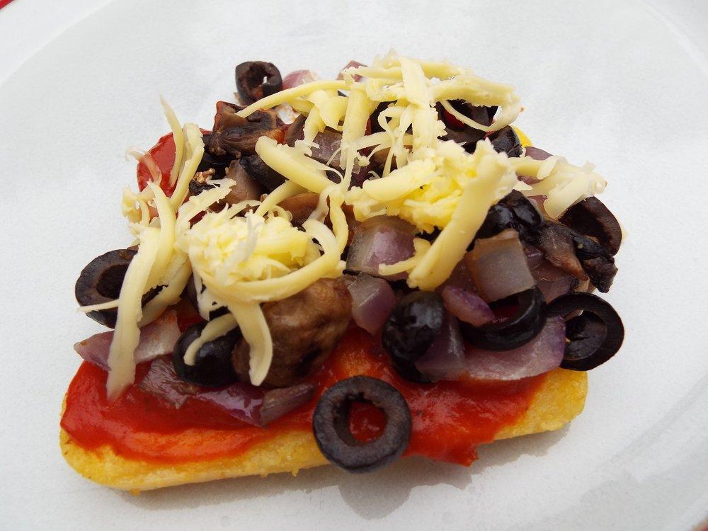 polenta-pizzas-x-2.JPG