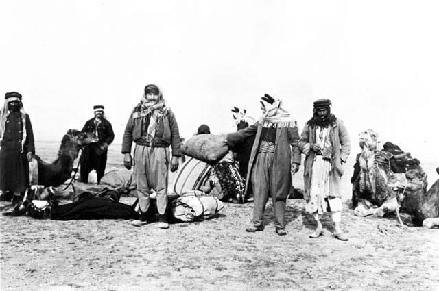Gertrude Bell's caravan (men and camels), Syria December 1913 (photo credit: Gertrude Bell Archive, Newcastle University - Cat. No. Y1)