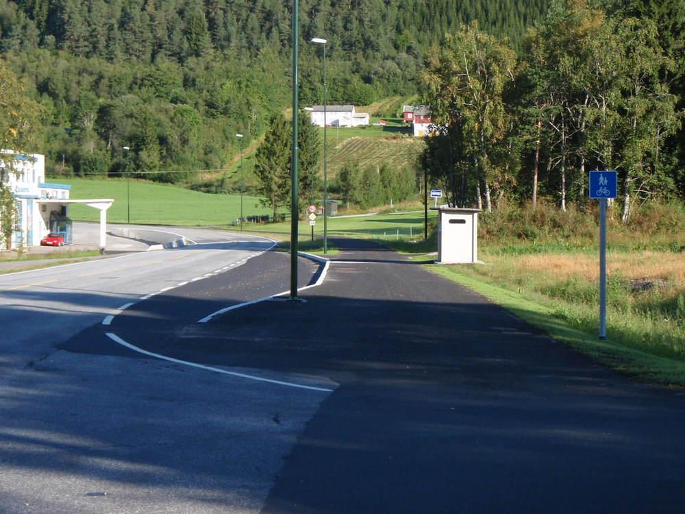 Mekvik-maskin-Gang-og-sykkelvei-Rovika-Molde-1.jpg
