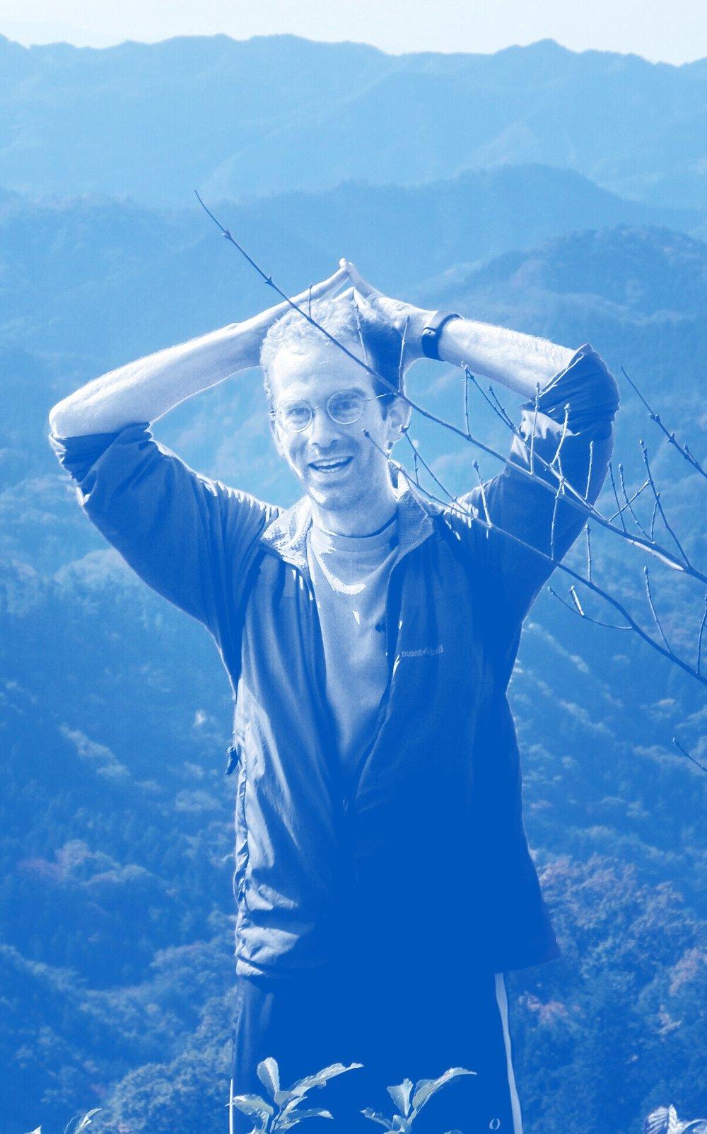 Jason Downey - CO-FOUNDERジェイソンは2007年にアメリカから日本に来ました。ピッツバーグ大学では文学を学びました。趣味はハイキングやカラオケ、ボランティアです。また日本語や中国語を勉強したり、リフレッシュするためのランニングも好きです。