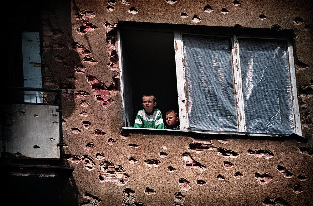 Lähiö Sarajevossa  , Bosnia 1996