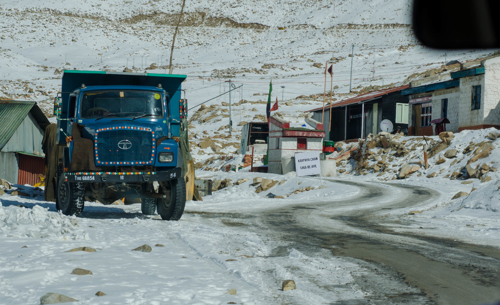 Winter in ladakh and on our way to the highest motorable road in the world. Not sure if we are allowed to take pictures here but there was no army official outside so I assume it should be OK. PC: Raunak