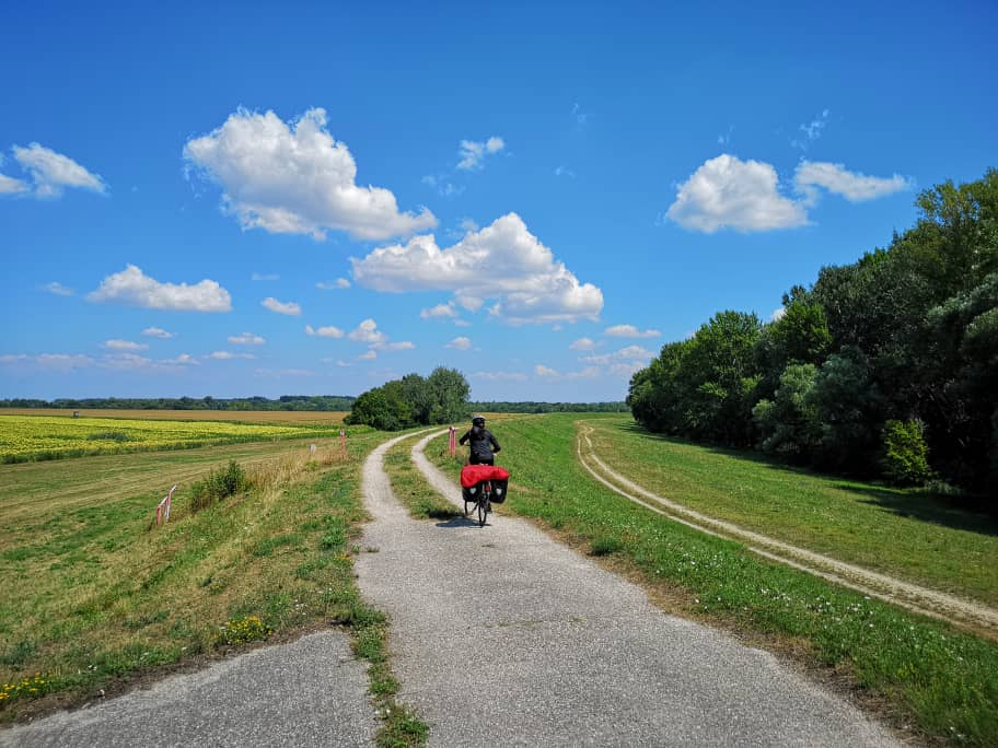 Cycling+Danube+Path.jpg