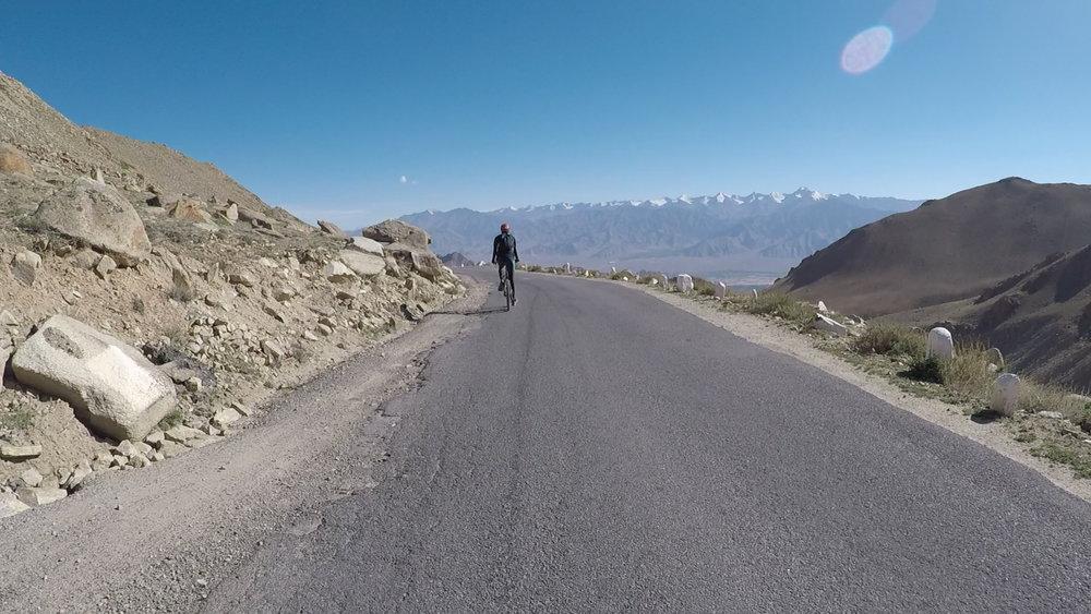 Cycling-Khardung-La.jpg