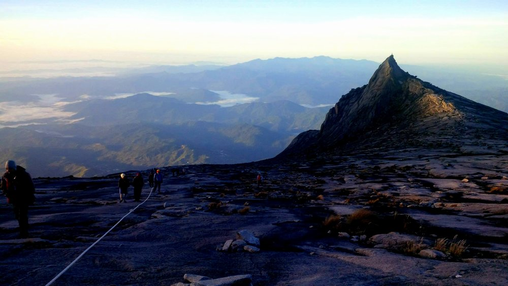 Hiking in Mount kinabalu, soaring peaks and the best place to travel alone in asia