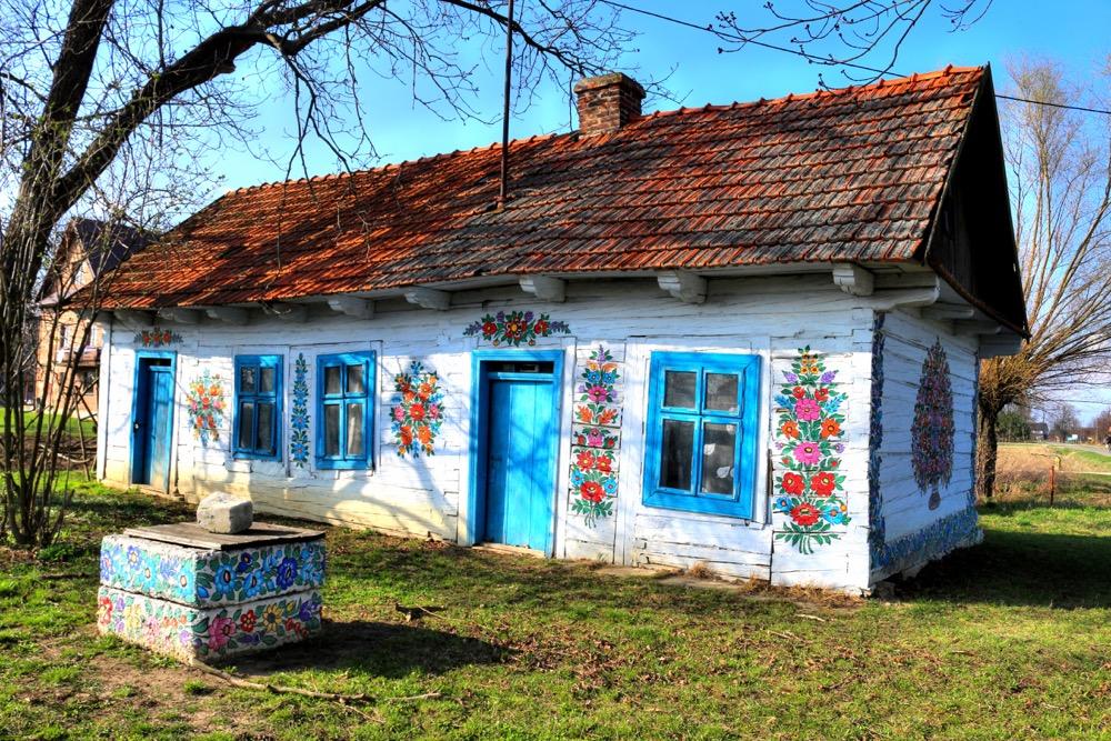 A charming and colourful wonderland in Zalipie, Poland. PC: Karolina Klesta