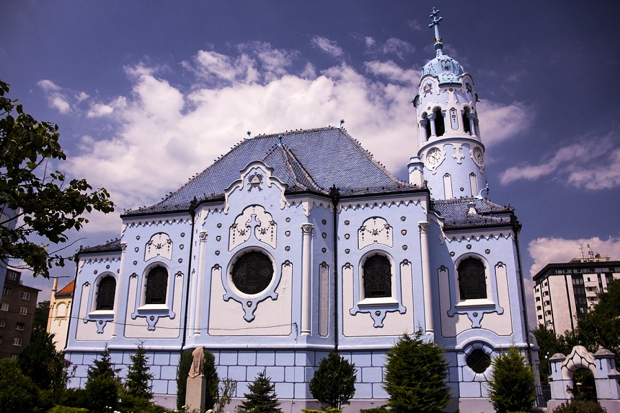 One-Day-In-Bratislava-Blue-Church-St-Elizabeth.jpg
