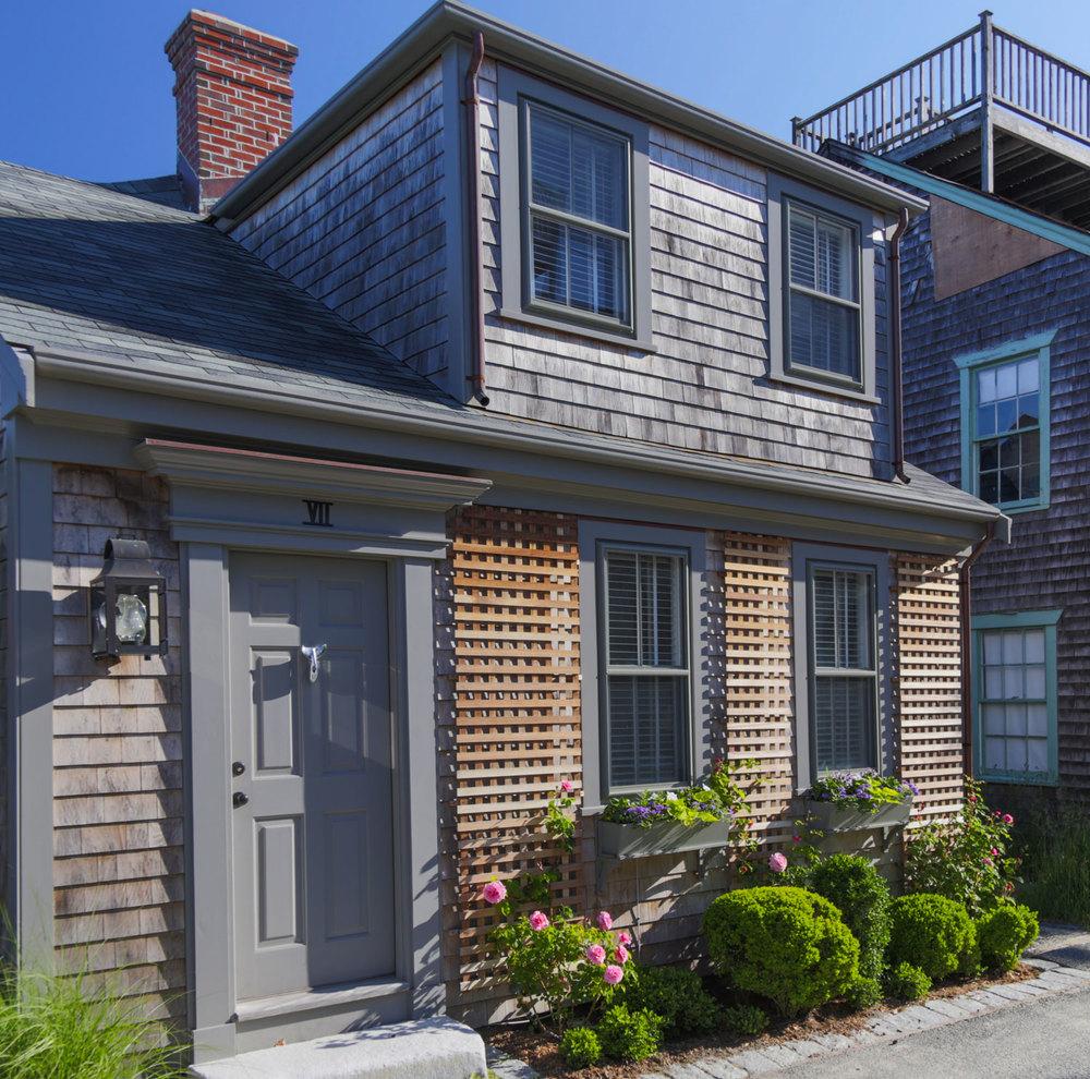 Small Nantucket Cottage | Front Entrance | Design Associates Inc.
