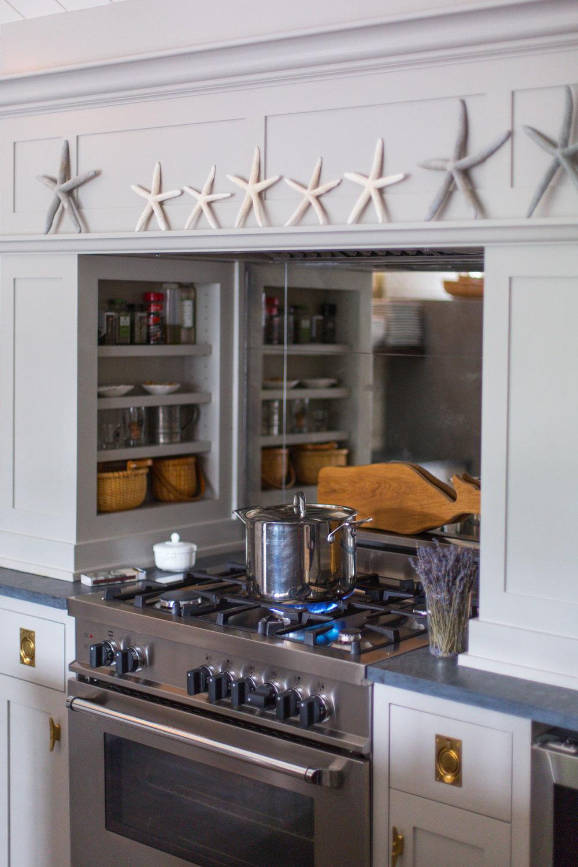 Small Nantucket Cottage | Oven Rack | Design Associates Inc.