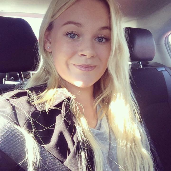 Emelie Ekberg  MOOD MANAGER  Small town girl. Optimist. Constantly binge-watching series. United-fan.  +46 (8) 545 291 00 mood[at]augur.se