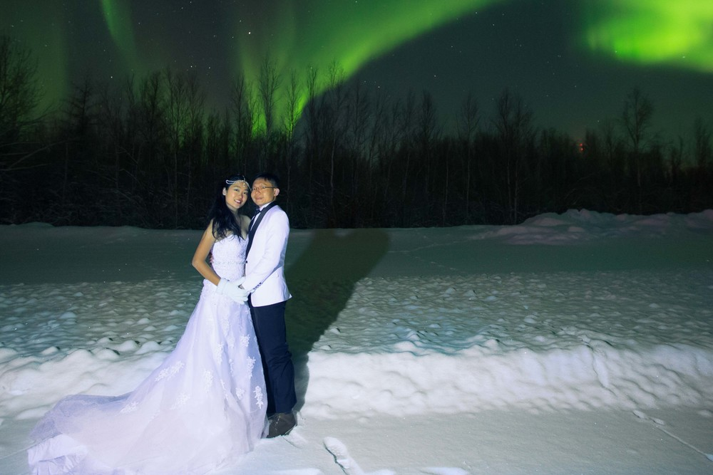 Bride and Groom under Northern Lights Fairbanks Alaska 09.jpg