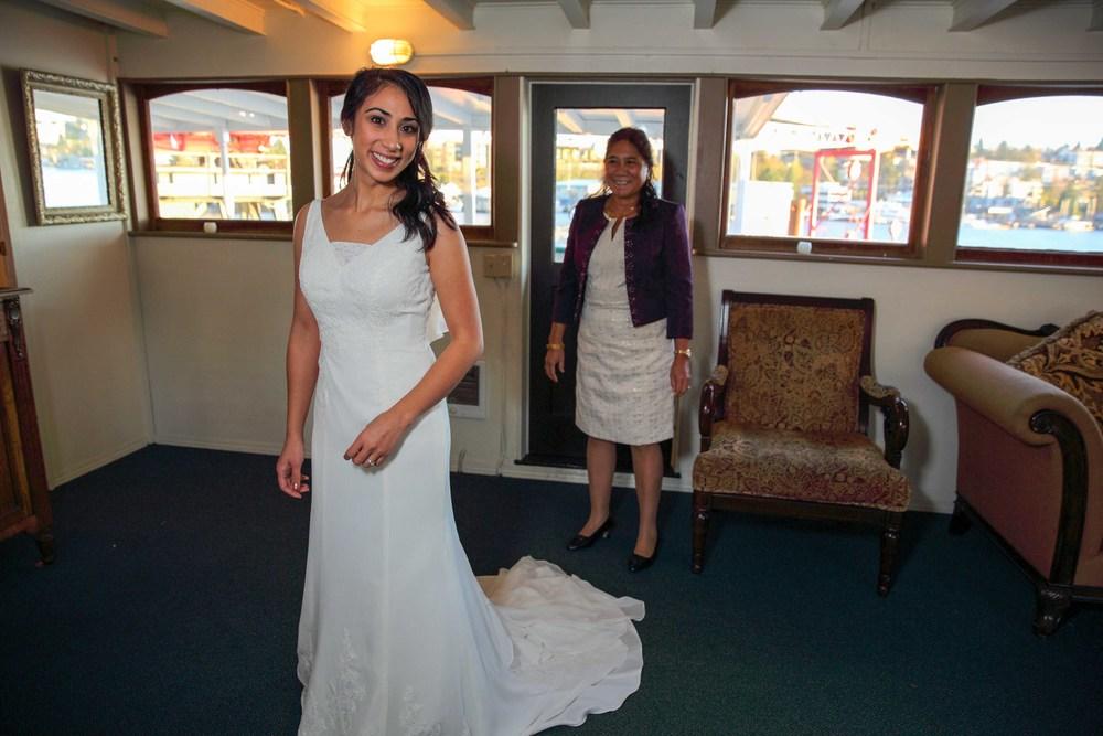 Wedding M-V Skansonia Seattle WA08.jpg