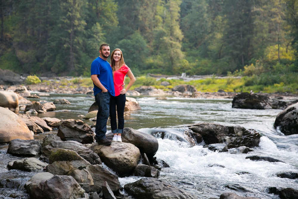 Engagement Photos Snoqualmie Falls Washington 03.jpg