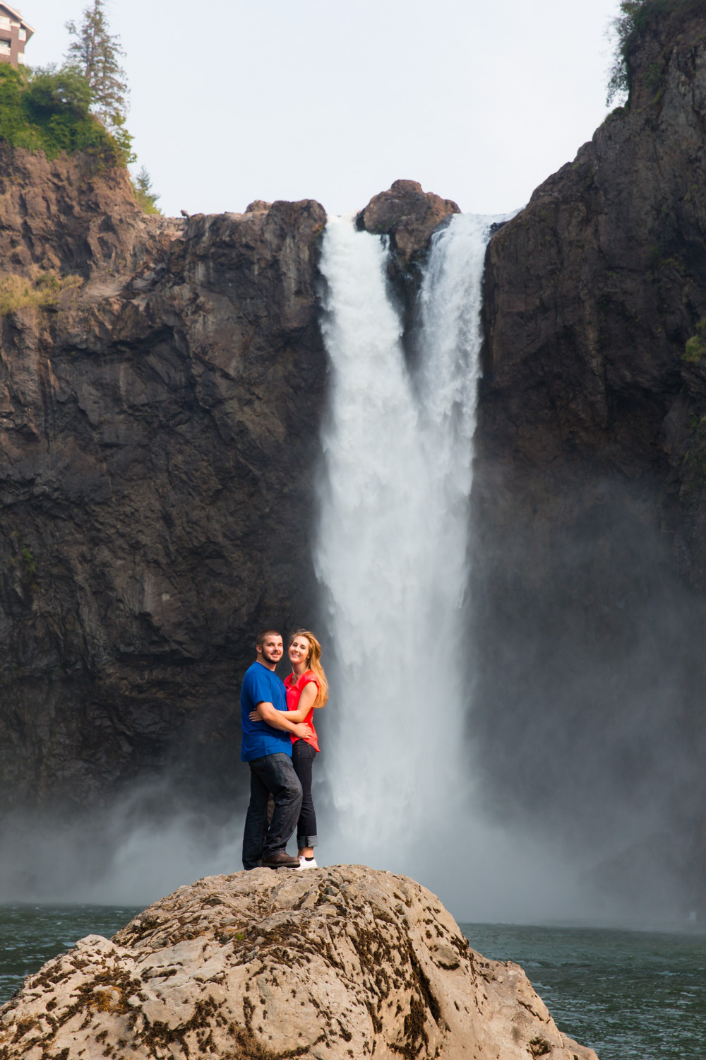 Engagement Photos Snoqualmie Falls Washington 06.jpg